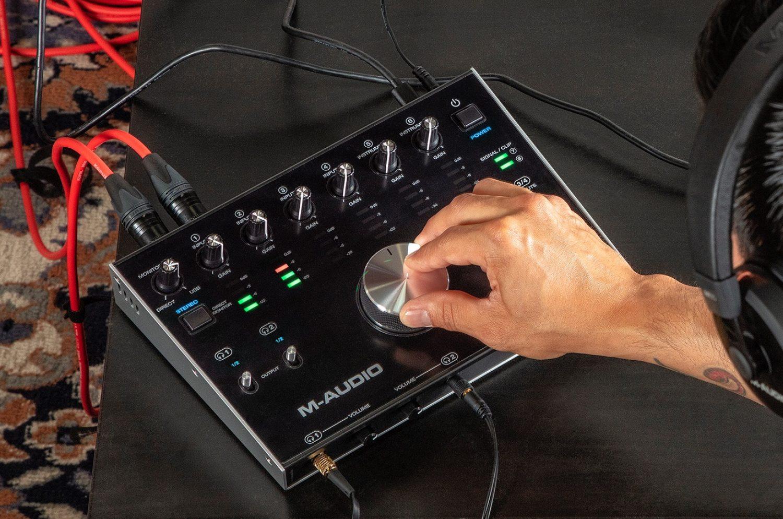 M-Audio 8X4M