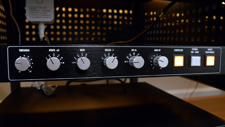 Warm Audio Bus-Comp Controls