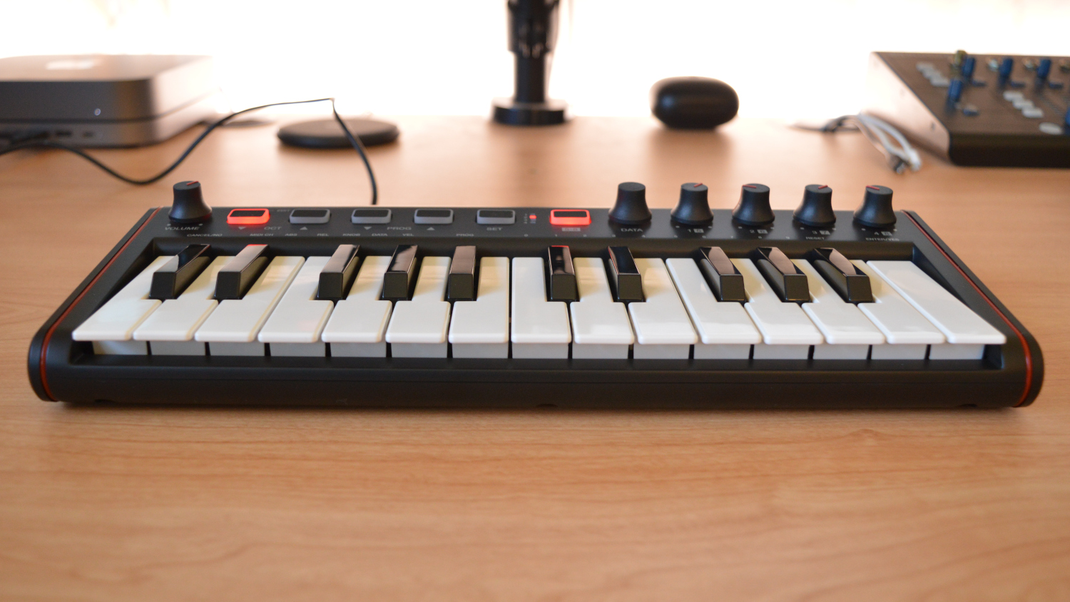 IK Multimedia iRig Keys 2 Mini Design