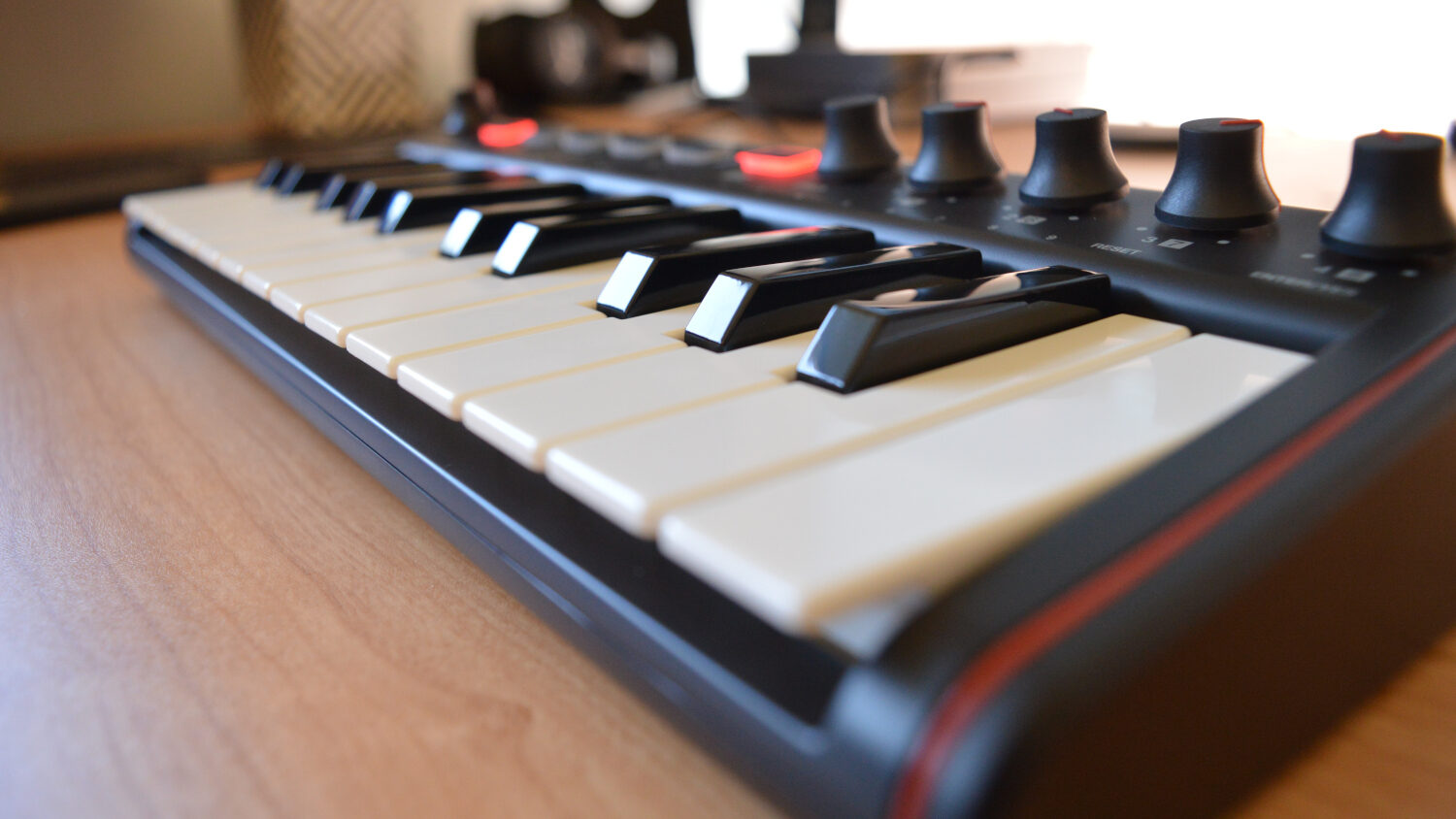 IK Multimedia iRig Keys 2 Mini Main